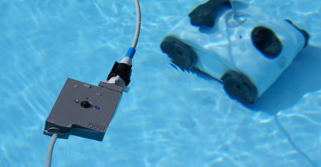 Pontaqua automata medence porszívó